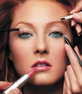 Health & Beauty: Applying the perfect nighttime make-up