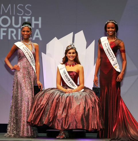 Miss_South_Africa_2014_Rolene_Strauss_with_first_princess_Ziphozakhe_Zakufa_and_second_princess_Matlala_Mokoko_2_Pic_by_Debbie_Yazbek
