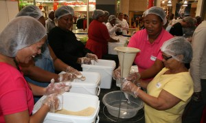 CapeGate packs 20736 meals for Stop Hunger Now