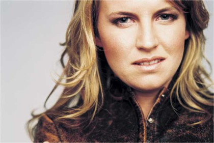 Karen Zoid goes unplugged at Die Boer
