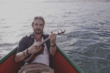 Jeremy Loops brings his guitar to Rivonia
