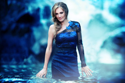 Catch the very best of Juanita du Plessis at Emperors Palace