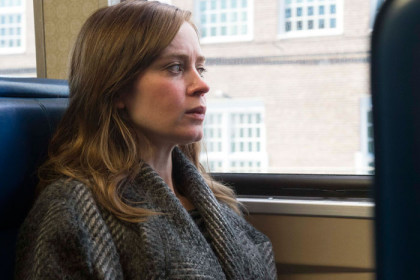 emily-blunt-in-the-girl-on-a-train