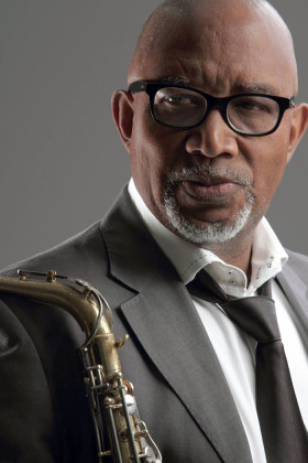 'Hotstix' to command the house at Winnie's with 50 years of showbiz craft