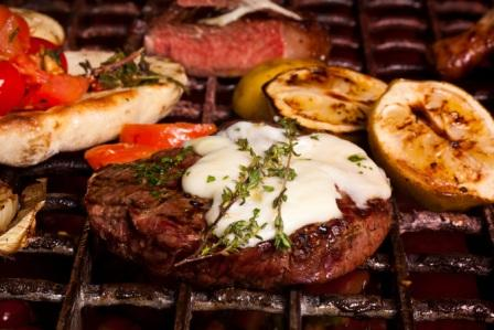 The Primi 300g rump served with creamed garlic and porcini mushroom puree.