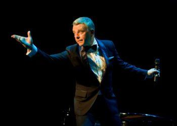 Richard Shelton as Frank Sinatra to tour SA